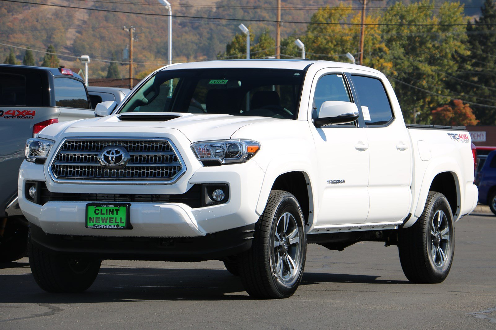 new 2017 toyota tacoma trd sport double cab in roseburg. Black Bedroom Furniture Sets. Home Design Ideas