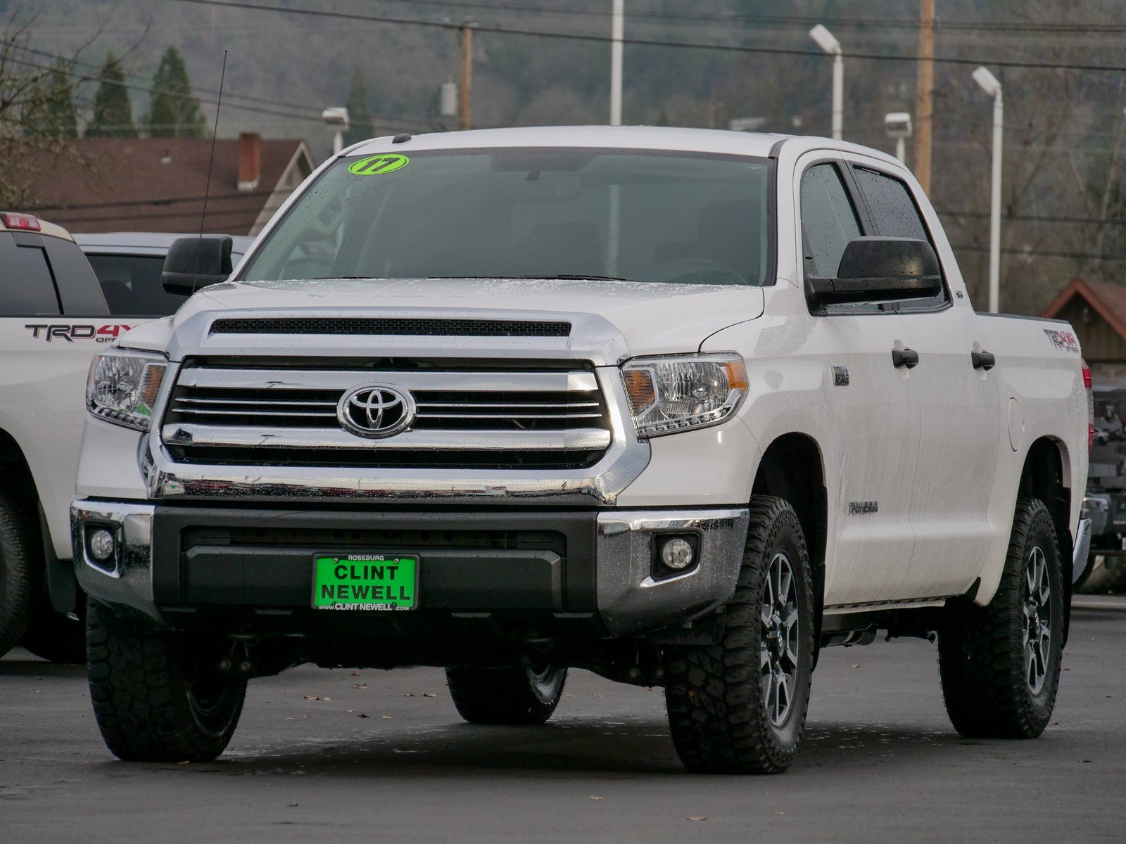 Pre-Owned 2017 Toyota Tundra 4WD