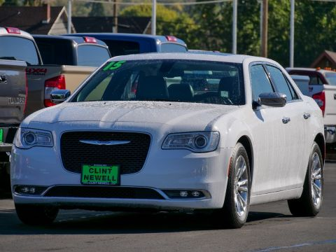 Pre-Owned 2015 Chrysler 300 300C